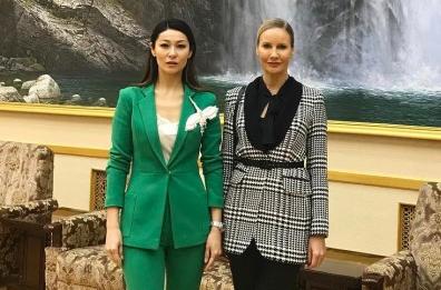 Елена Летучая уехала в Северную Корею