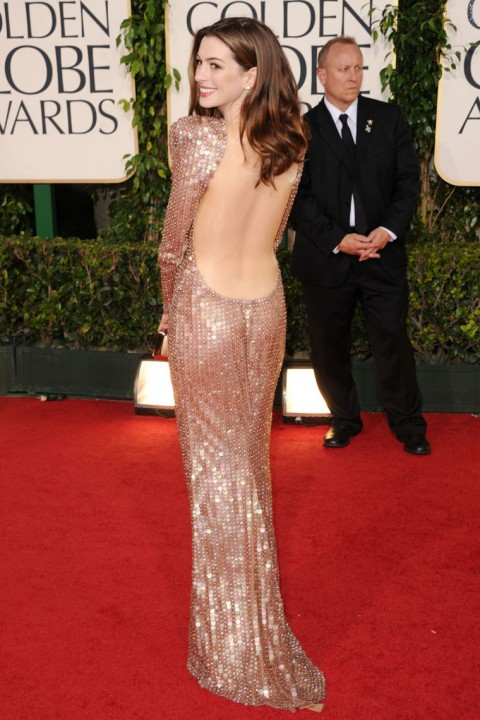 Платья Энн Хэтэуэй - платье с открытой спиной