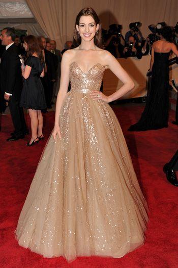 Платья Энн Хэтэуэй - платье принцессы