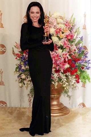 Платье Анжелины Джоли - Черное платье
