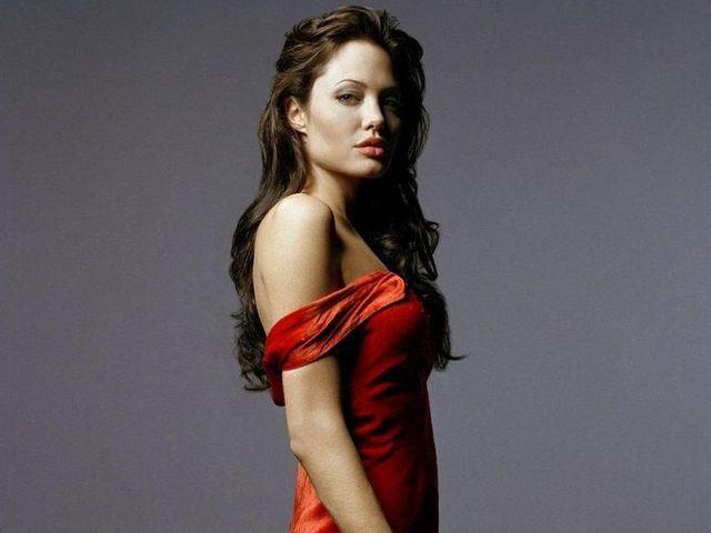 Платье Анжелины Джоли - красное