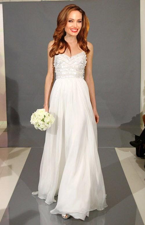 Белове свадеьбное платье на Анжелине