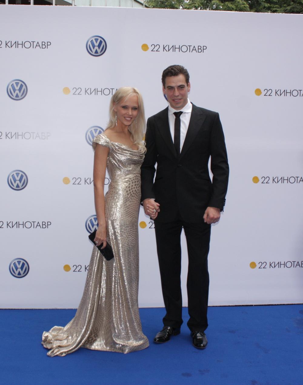 Дмитрий дюжев и его свадьба фото