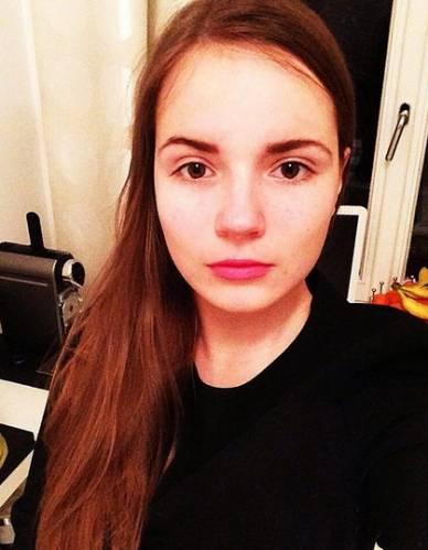 Саша Спилберг без макияжа