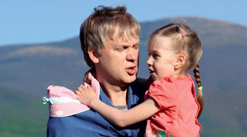 Дети Сергея Светлакова от разных браков проводят вместе