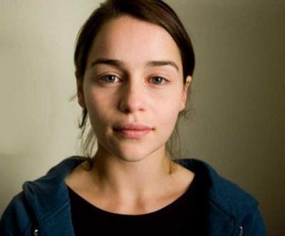 Эмилия Кларк без макияжа