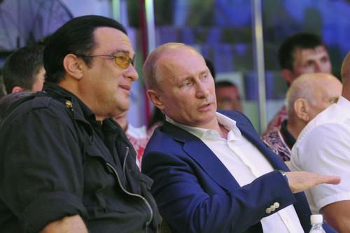Стивен Сигал отказался от российского гражданства