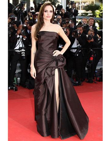 Коричневое платье Анжелины Джоли