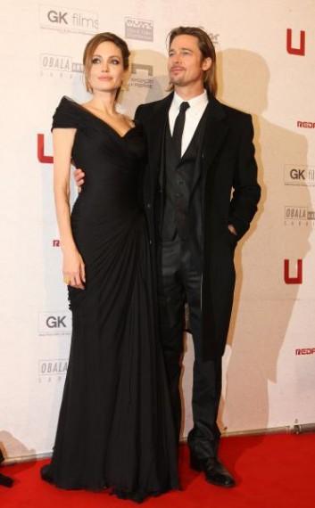 Черное платье Анжелины Джоли (ковровая дорожка)