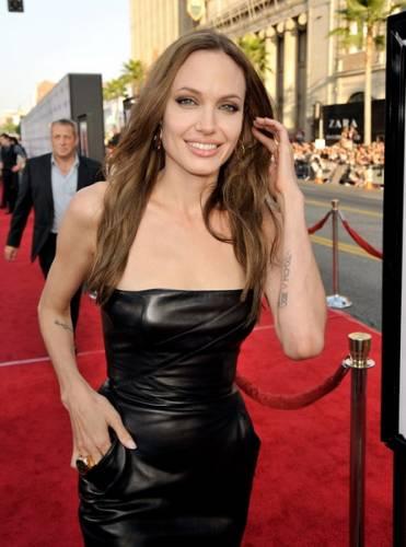 Анжелина Джоли рост вес