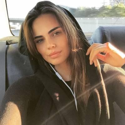 Ксения Дели без макияжа