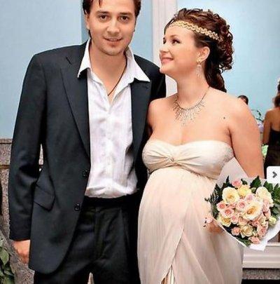 Полина Гагарина, первый муж