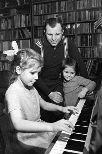Юрий Гагарин, дочь