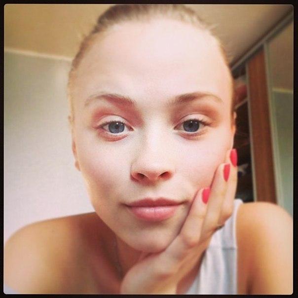 Анна Кошмал без макияжа