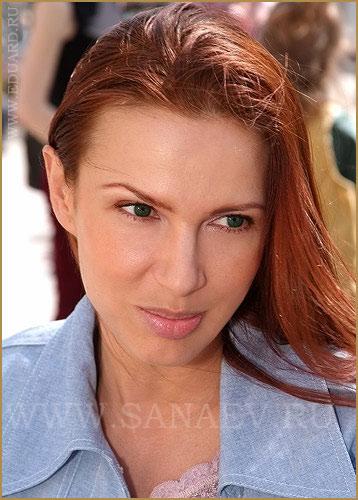 Эвелина Бледанс без макияжа