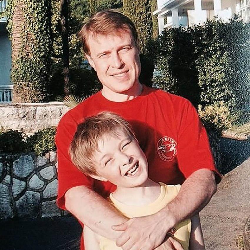 На фото: Егор Крид с отцом