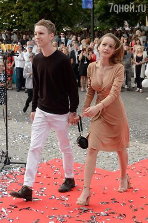Семен Трескунов и его девушка - фото, биография