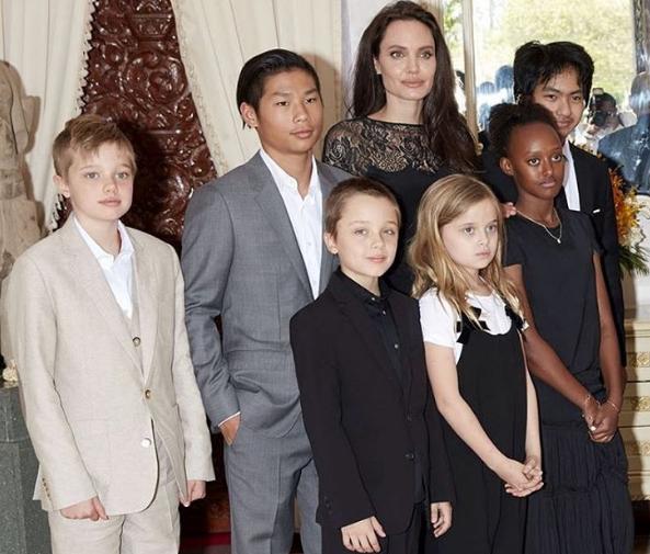 Дочь Анджелины Джоли — фото