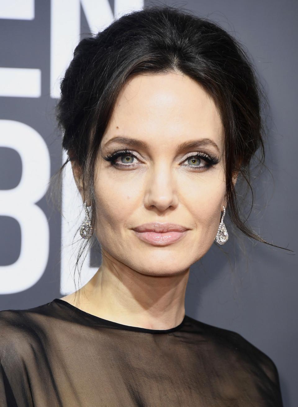 Отец Анджелины Джоли в молодости и сейчас - отношения с дочерью