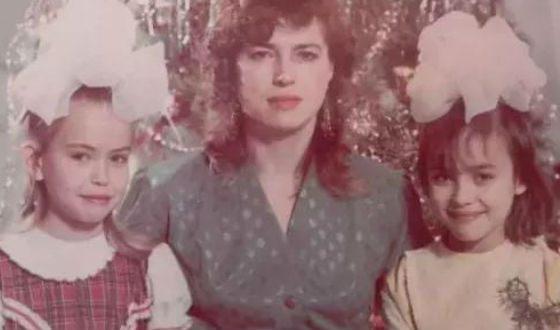 Ирина Шейк в детстве и в молодости