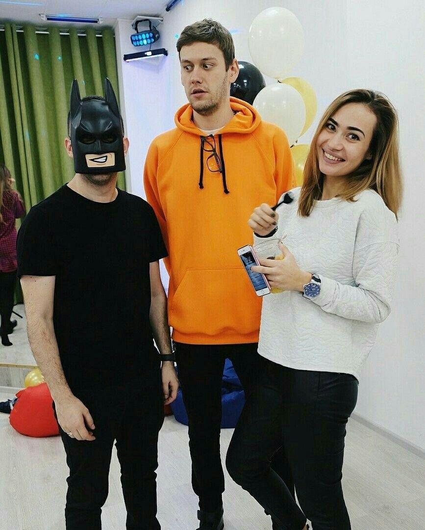 Антон Шастун и его девушка