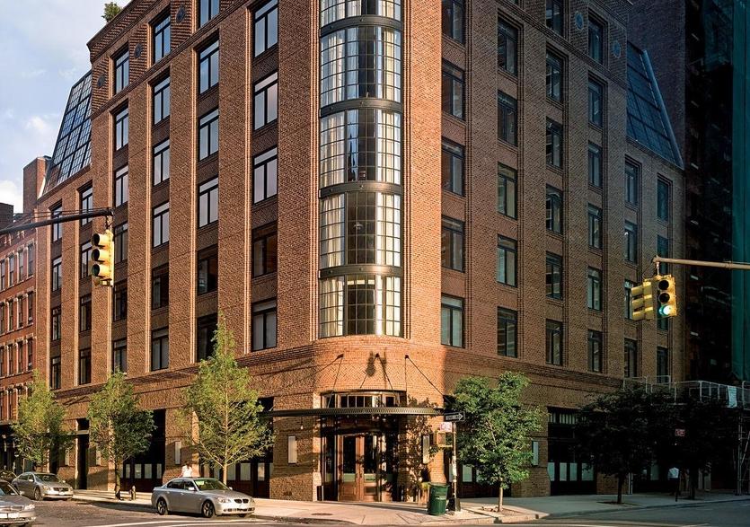 5 шикарных отелей, которыми управляют звезды