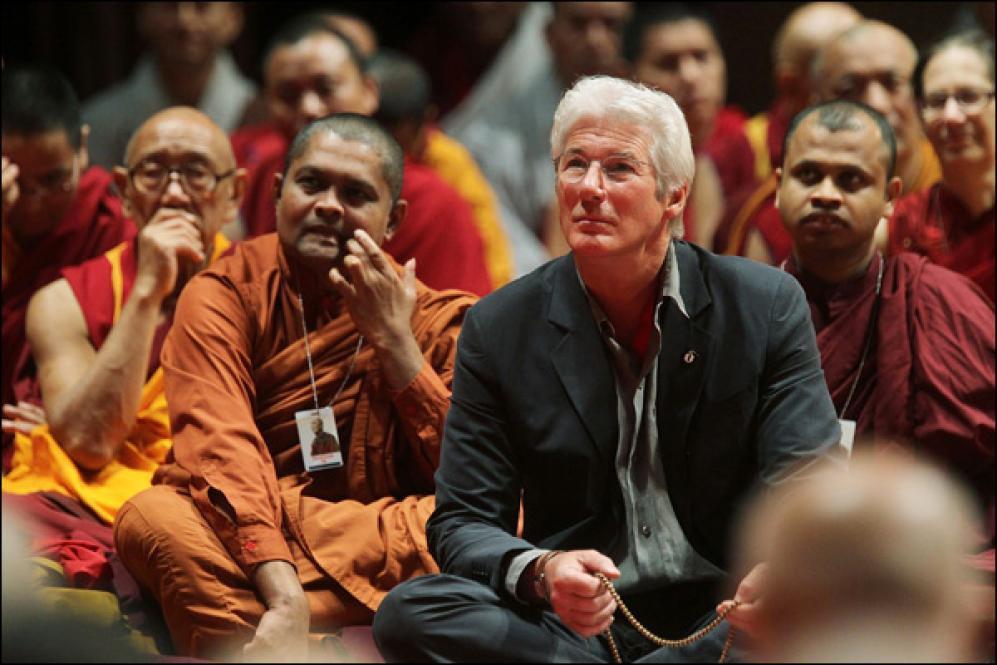 Буддизм – 5 звезд-последователей