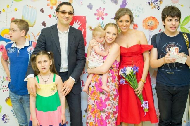 Российские звезды, помогающие нуждающимся