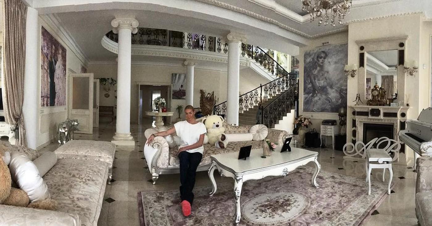 5 дорогих домов российских знаменитостей