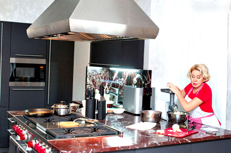 Звезды, любящие готовить еду сами