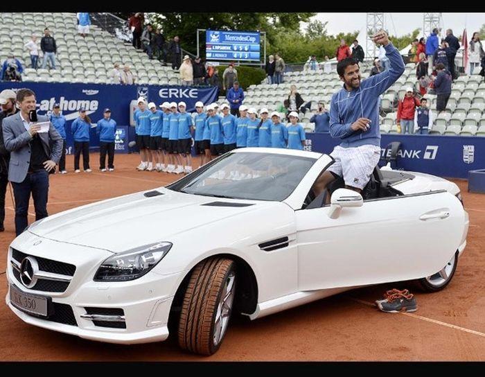 Крутые автомобили мировых теннисистов