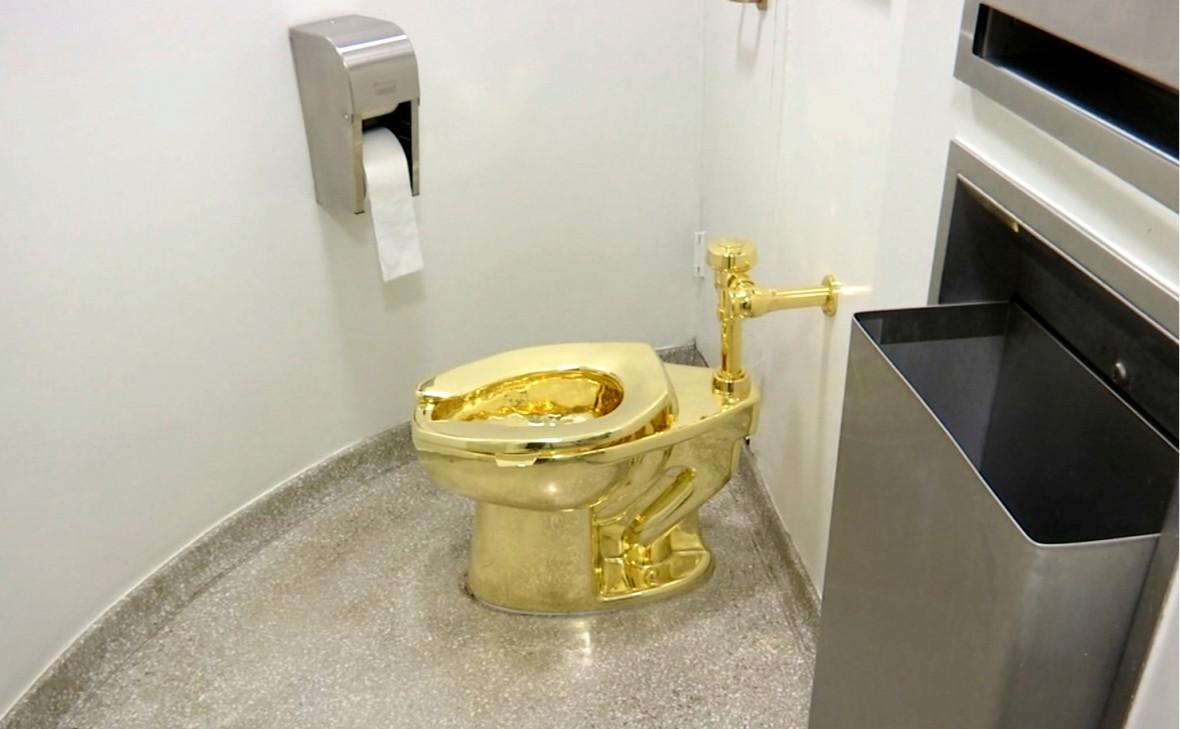 Золотые унитазы знаменитых персон
