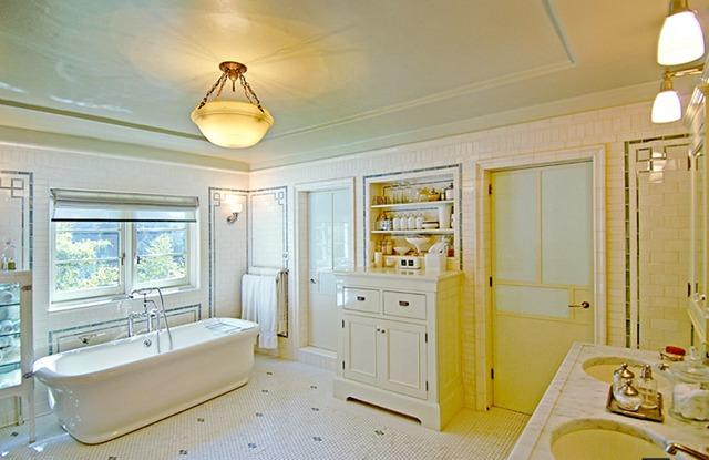 7 стильных ванных комнат знаменитостей
