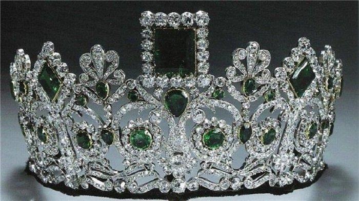 Королева Норвегии Соня (тиара Жозефины)
