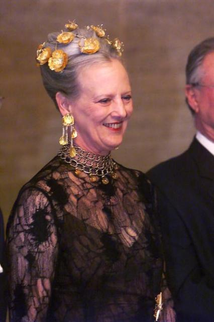 Королева Маргрете II (тиара «Золотые маки»)