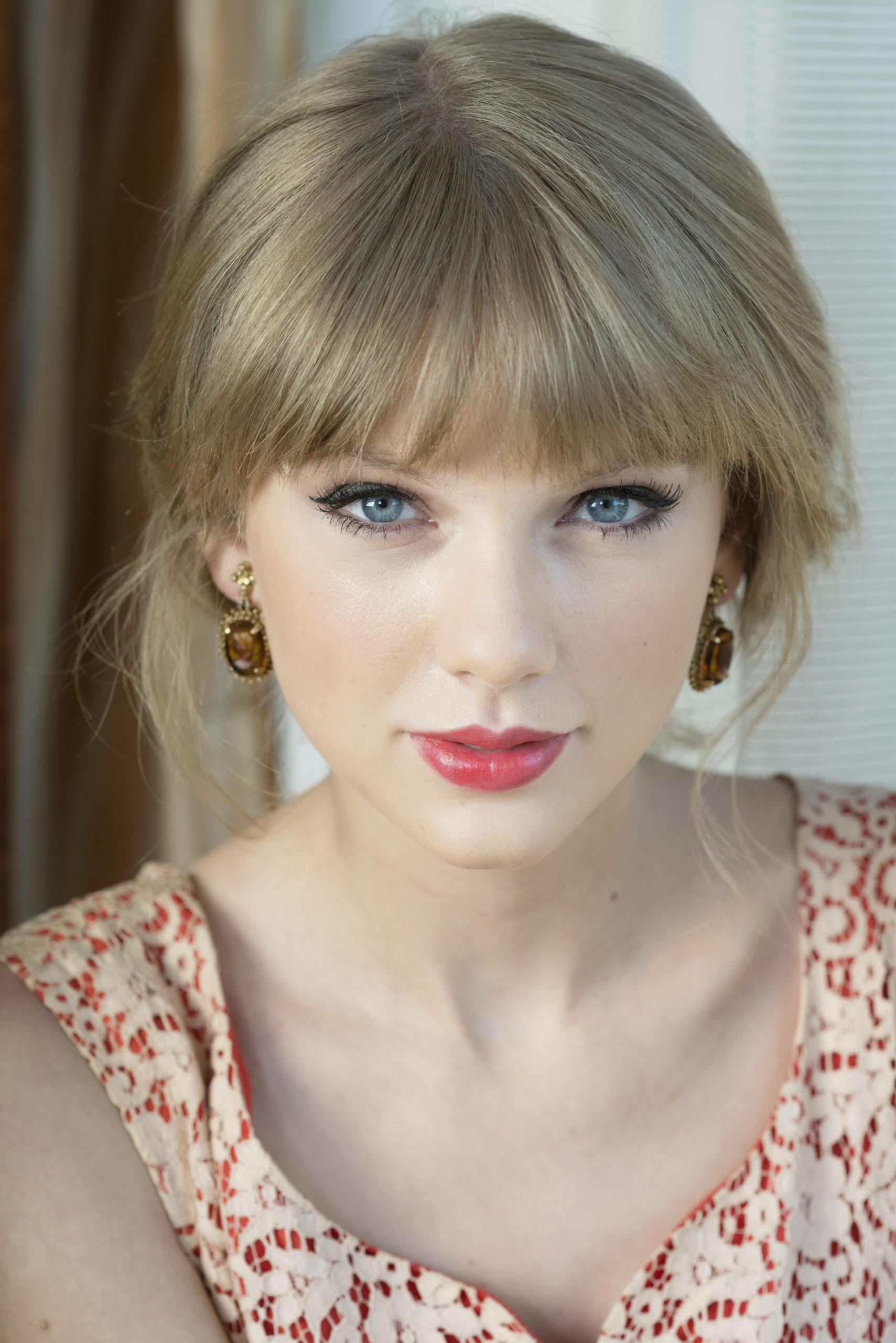 9 знаменитостей, которые щедры к фанатам
