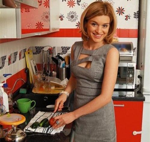 9 звезд, которые любят делать салаты
