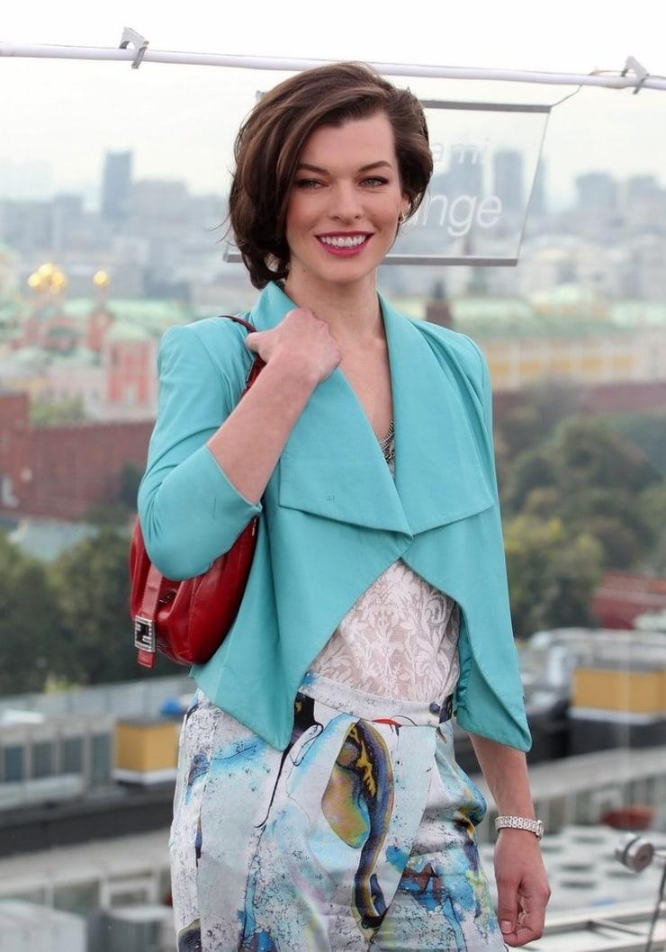 7 знаменитостей, которые снялись для рекламы в России