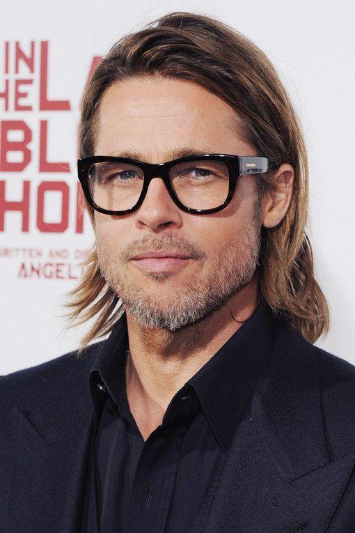 10 знаменитостей, которые круто выглядят в очках