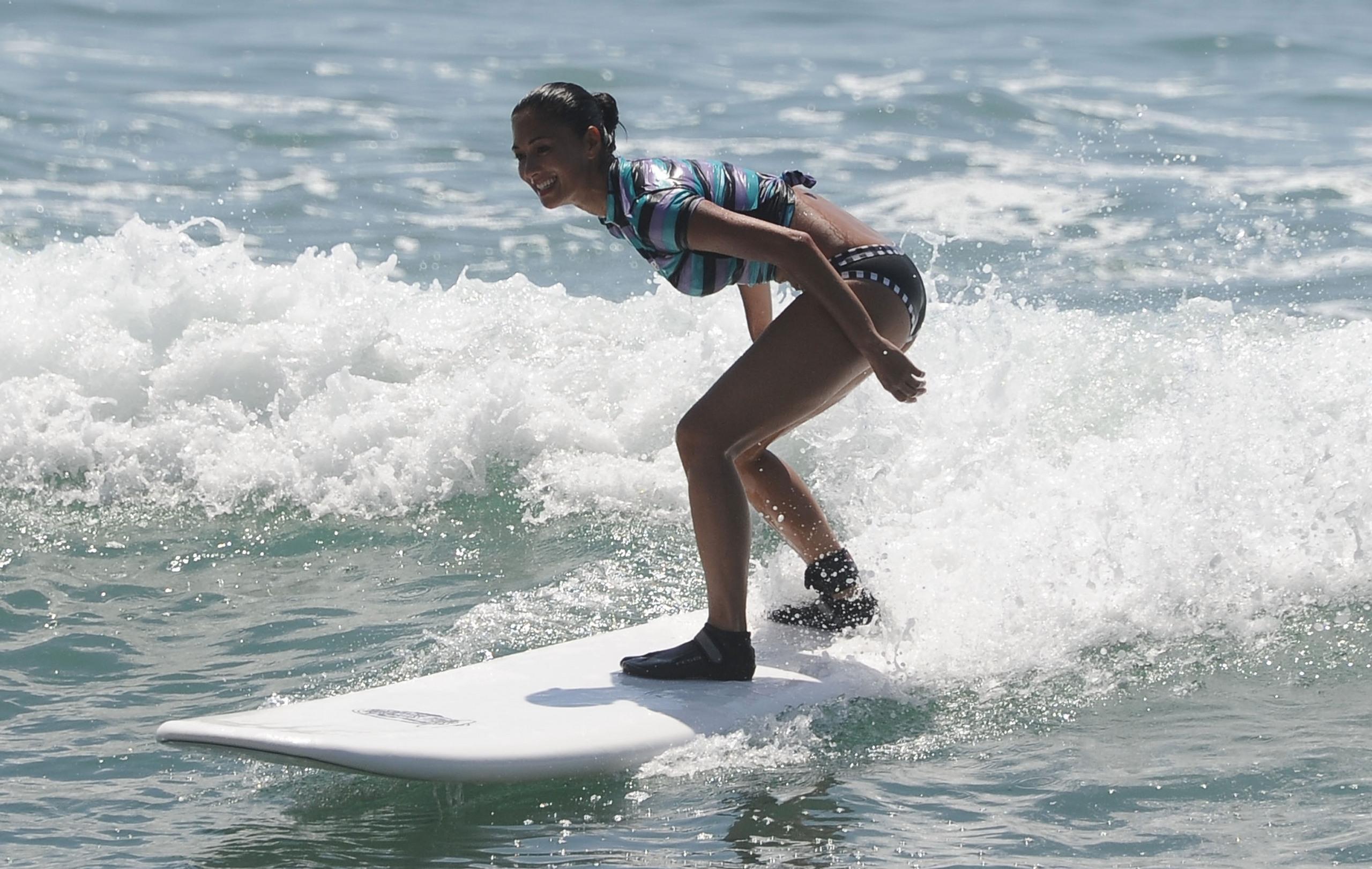 7 селебрити, которые занимаются серфингом