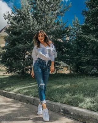 9 знаменитостей, которые стильно носят кроссовки