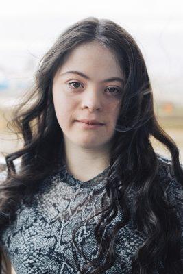 """Девушка с синдромом Дауна стала лицом """"Гуччи"""""""