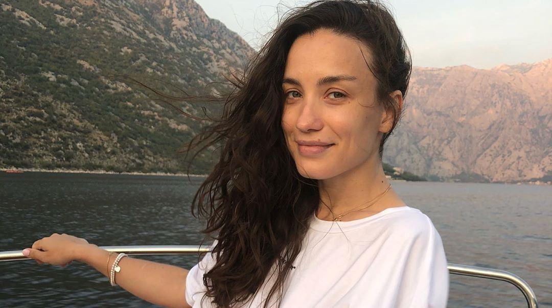 Виктория Дайнеко застряла с ребенком в США