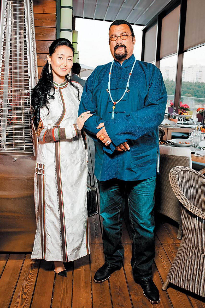 Путешествие с Рублевки в Бурятию – Стивен Сигал прибыл в Улан-Удэ