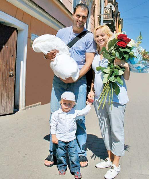 Елена Бережная призналась, что муж не видится с детьми