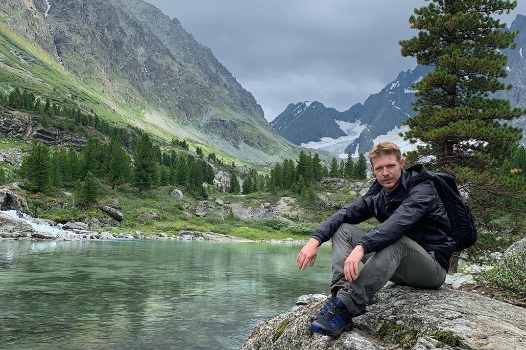 Никита Ефремов уехал на Алтай
