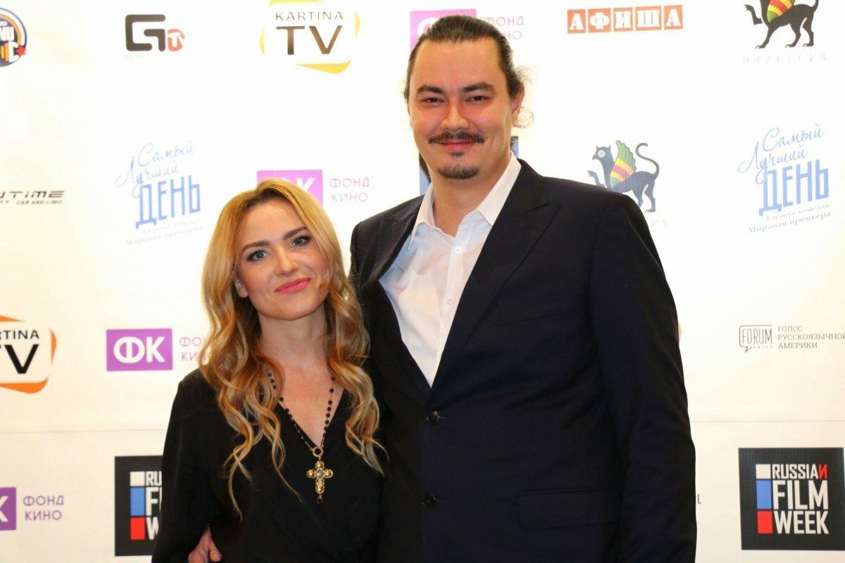 Актриса Юлия Александрова воссоединилась с мужем