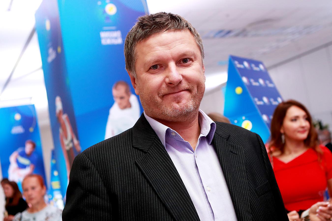 Евгений Кафельников собрался уехать из страны