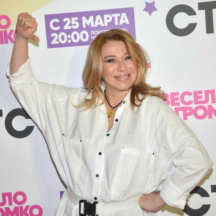 Алена Апина обиделась на Niletto