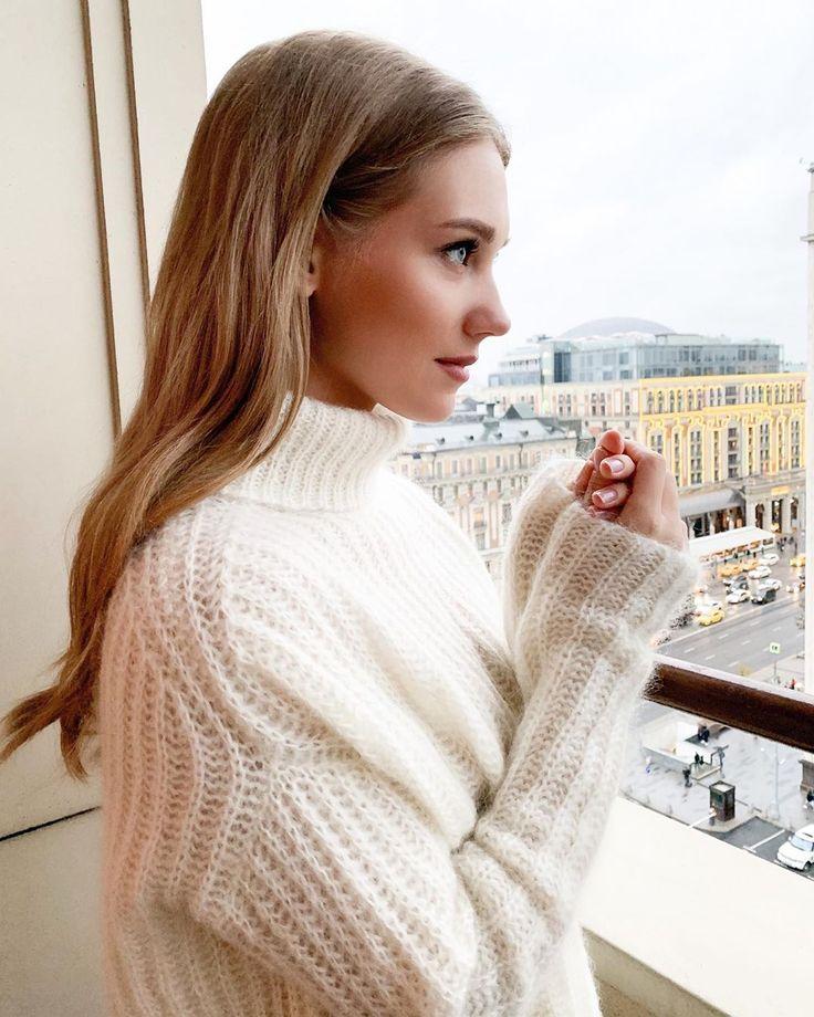 Кристина Асмус призналась, что зарабатывает 22 000 рублей